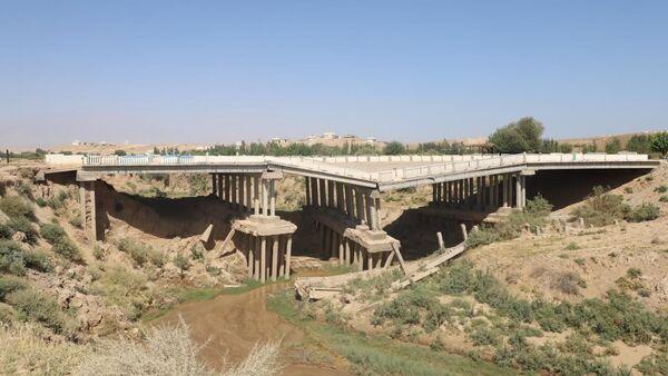 Мост в Сурхандарьинской области, расположенный на 76-м км автодороги Дарбанд — Бойсун — Элбаён - Sputnik Ўзбекистон