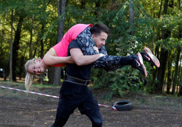 Участники бега с женой в Венгрии  - Sputnik Узбекистан