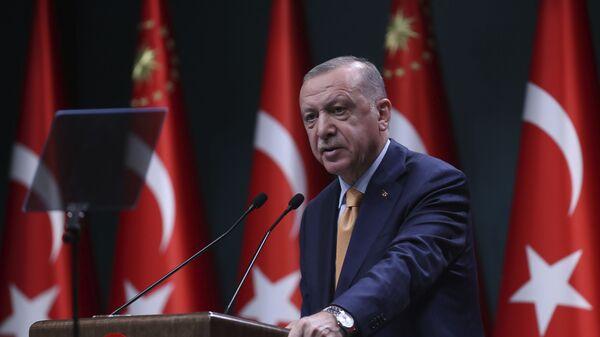 Prezident Turtsii Redjep Tayip Erdogan - Sputnik Oʻzbekiston