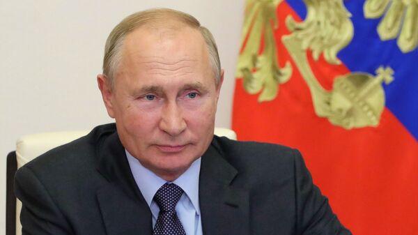 Президент РФ В. Путин провел совещание по экономическим вопросам - Sputnik Узбекистан
