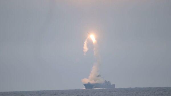 """Испытания гиперзвуковой ракеты """"Циркон"""" показали на видео - Sputnik Ўзбекистон"""