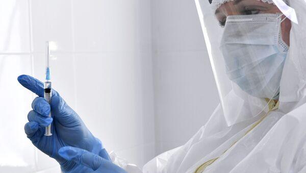 Vaktsinatsiya vrachey ot koronavirusa v Krasnodare - Sputnik Oʻzbekiston