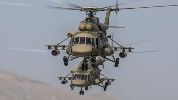 Вертолеты Ми-8 на учениях Нерушимое братство - 2019 - Sputnik Ўзбекистон