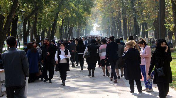 Трудовая ярмарка вакансий в Ташкенте - Sputnik Узбекистан