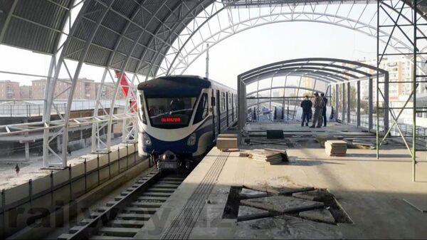 Состоялся тестовый запуск поезда на Сергелийской линии метро - Sputnik Узбекистан
