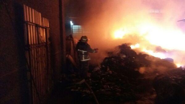Пожар на столичном рынке Янгиобод - Sputnik Узбекистан