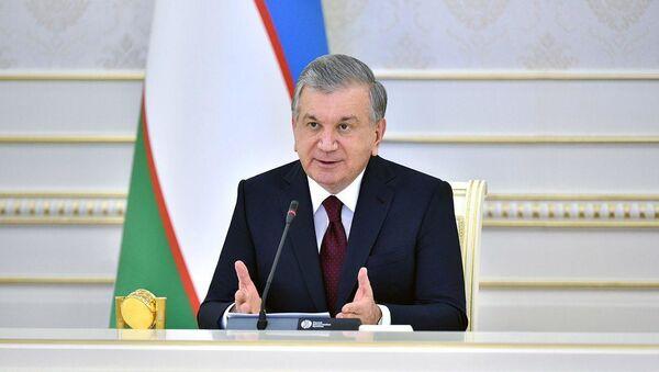 Шавкат Мирзиёев на видеоселекторном совещании по мерам обеспечения продовольственной безопасности - Sputnik Узбекистан