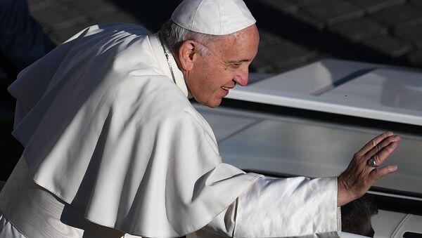 Общая аудиенция Папы Римского Франциска на площади Святого Петра в Ватикане - Sputnik Узбекистан