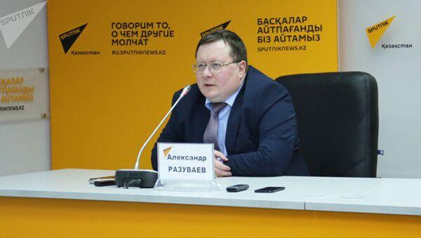 Руководитель информационно-аналитического центра Альпари Александр Разуваев - Sputnik Узбекистан