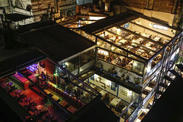 Вид сверху на рестораны в Стамбуле, Турция  - Sputnik Ўзбекистон