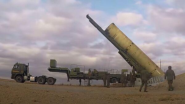 Эксклюзив: пуск новой противоракеты системы ПРО на полигоне Сары-Шаган - Sputnik Ўзбекистон
