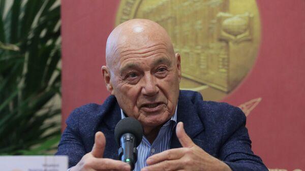 Журналист, телеведущий и писатель Владимир Познер  - Sputnik Узбекистан