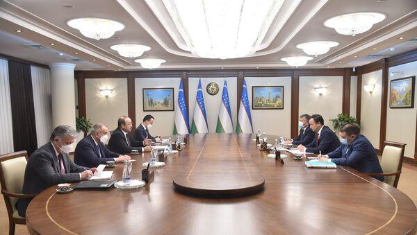 Абдулла Арипов провел переговоры с главой МИД Кыргызстана  - Sputnik Узбекистан