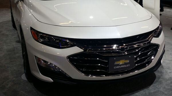 Автомобиль Chevrolet Malibu  - Sputnik Ўзбекистон