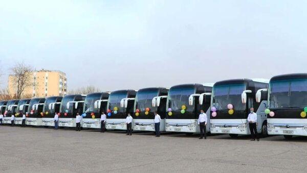 Zapuskayetsya regulyarnoye avtobusnoye soobщeniye iz Navoiyskoy oblasti v Tashkent, Samarkand, Buxaru i Karshi - Sputnik Oʻzbekiston