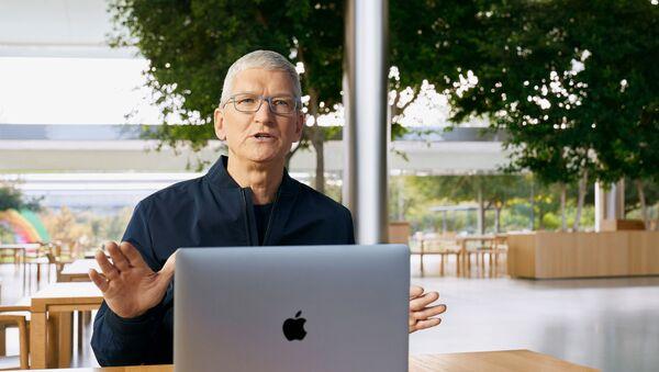 Apple представила первый компьютер с собственным процессором - Sputnik Узбекистан