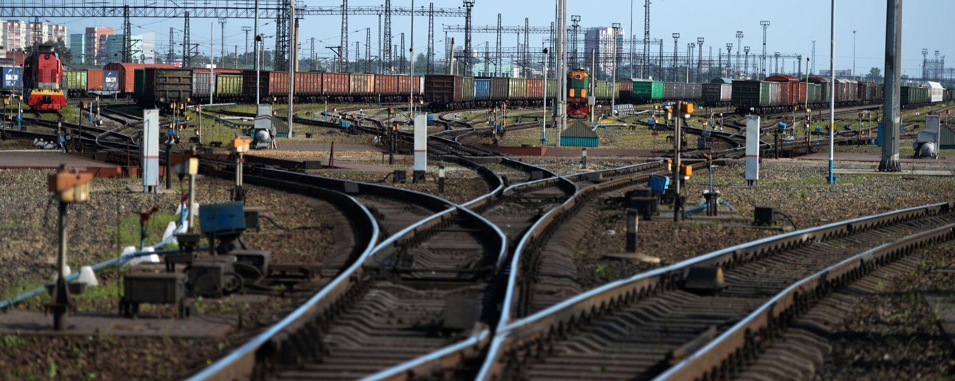 Товарные поезда - Sputnik Узбекистан, 1920, 16.11.2020