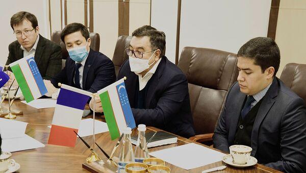 Узбекистан и Франция начнут сотрудничать в сфере кинематографии - Sputnik Узбекистан