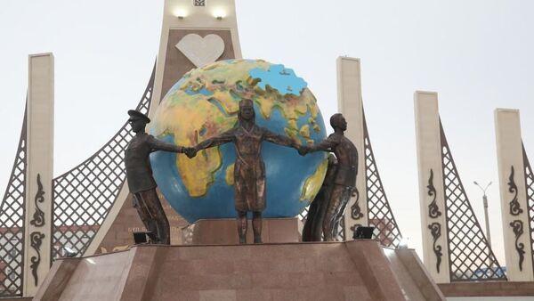 Монумент борцам с коронавирусом появился в Таразе - Sputnik Узбекистан