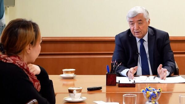 Министр здравоохранения РУз Абдухаким Хаджибаев о том, как идут переговоры по вакцине Спутник V  - Sputnik Узбекистан