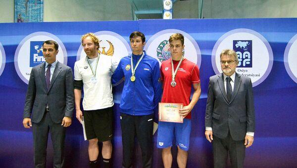 Победители чемпионата РУз по плаванию  - Sputnik Узбекистан