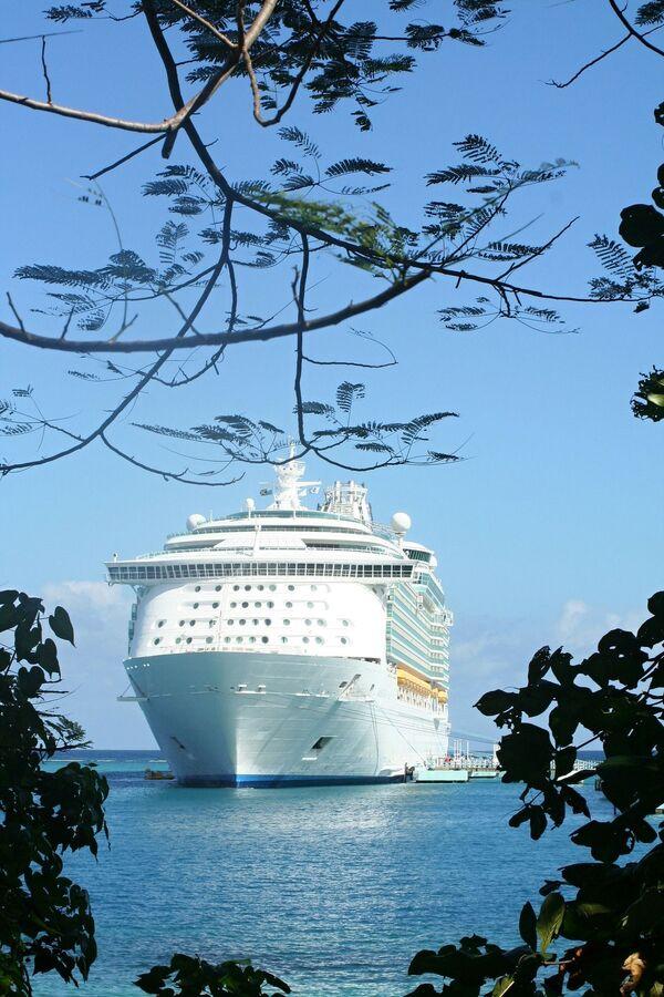 Kruiznыy layner na Yamayke, kotoraya stala obladatelem zvaniya World's Leading Cruise Destination 2020 - Sputnik Oʻzbekiston