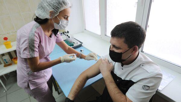 Вакцинация от коронавируса - Sputnik Ўзбекистон