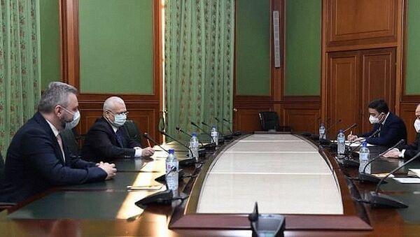 10 декабря 2020 года Министр иностранных дел Республики Узбекистан Абдулазиз Камилов принял Чрезвычайного и Полномочного Посла Румынии Ромeo Стaнчу - Sputnik Узбекистан