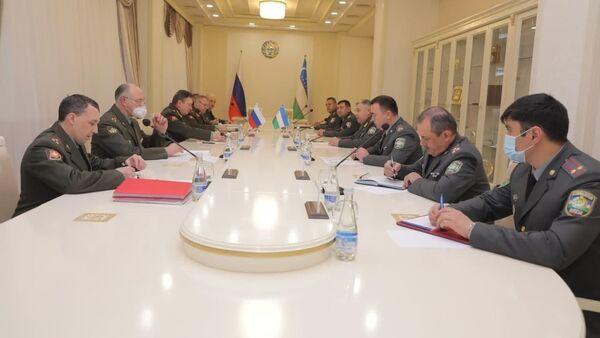 Командующий Центральным военным округом РФ Александр Лапин прибыл с визитом в Узбекистан - Sputnik Ўзбекистон