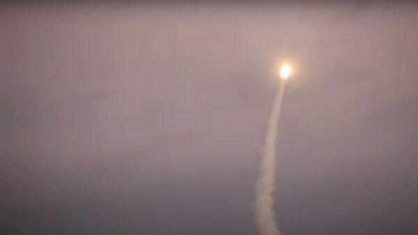 Со скоростью света: в РФ испытали новую гиперзвуковую ракету Циркон - Sputnik Ўзбекистон