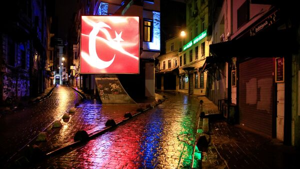 Пустынная улица в Стамбуле - Sputnik Ўзбекистон