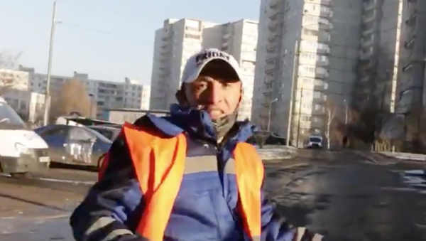 Цепи, плов и Balenciara: дворники из Москвы перепели Моргенштерна - видео - Sputnik Ўзбекистон