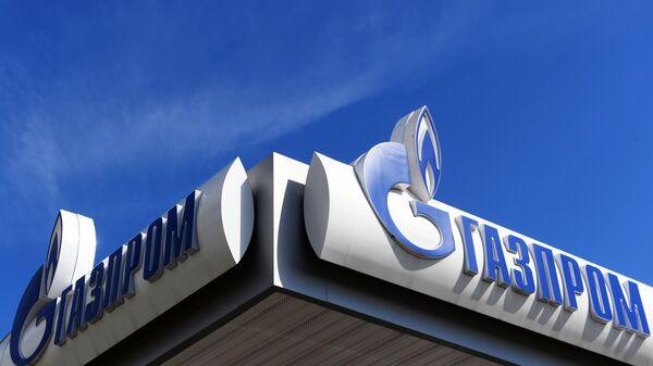 Вывеска автомобильной газонаполнительной компрессорной станции (АГНКС) Газпром - Sputnik Узбекистан