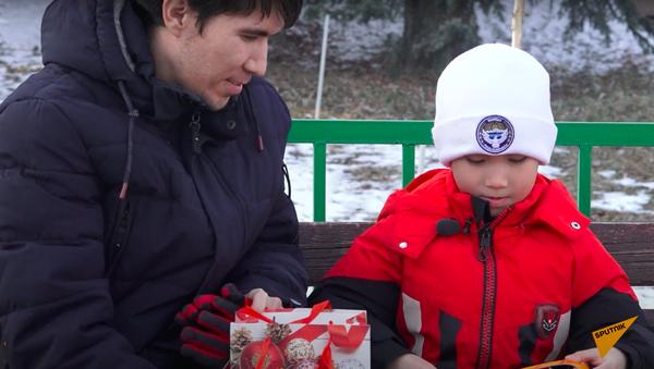 Как семилетний школьник из Бишкека привлек внимание Кремля - Sputnik Ўзбекистон