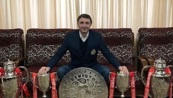 Шота Арвеладзе с кубками - Sputnik Узбекистан