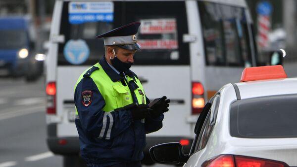 Рейд по проверке такси в Москве - Sputnik Узбекистан