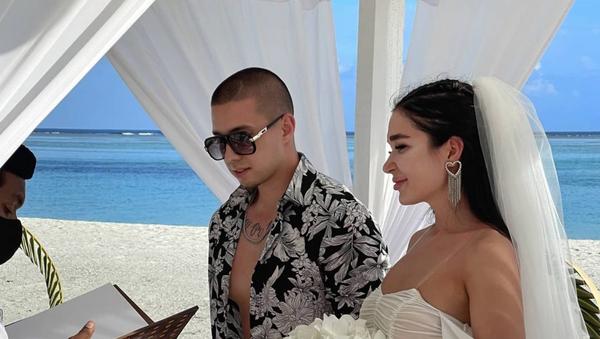 Романтика у океана: узбекский бизнесмен сыграл свадьбу на Мальдивах - фото - Sputnik Узбекистан