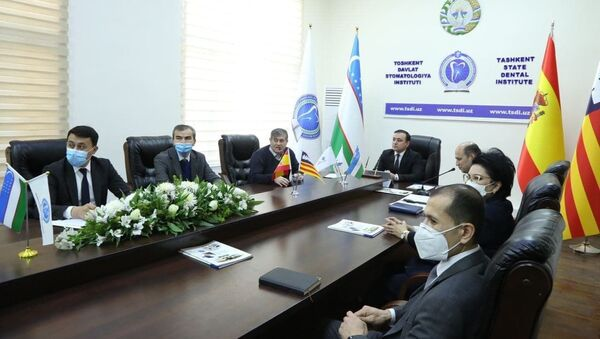 В Европе появился первый филиал вуза Узбекистана - Sputnik Узбекистан