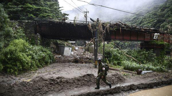 Последствия проливных дождей, разрушительных наводнений и оползней, в результате которых погибло не менее 52 человек, в японской префектуре Кумамото - Sputnik Ўзбекистон