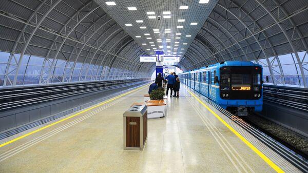 Pervыe passajirы sergeliyskoy linii Tashkentskogo metropolitena - Sputnik Oʻzbekiston