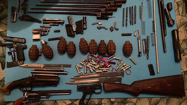Кадры задержания торговцев оружием сотрудниками ФСБ - Sputnik Ўзбекистон