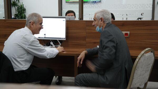 Журналисты в ожидании послания президента Шавката Мирзиёева к Олий Мажлису - Sputnik Узбекистан