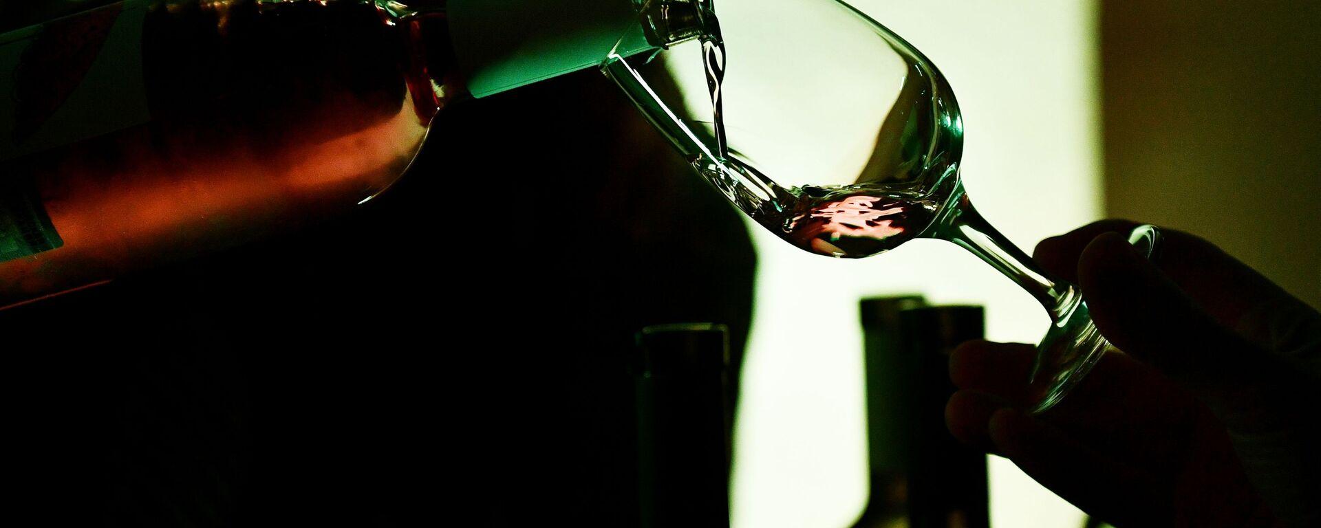 Вино в бокале - Sputnik Ўзбекистон, 1920, 23.03.2021
