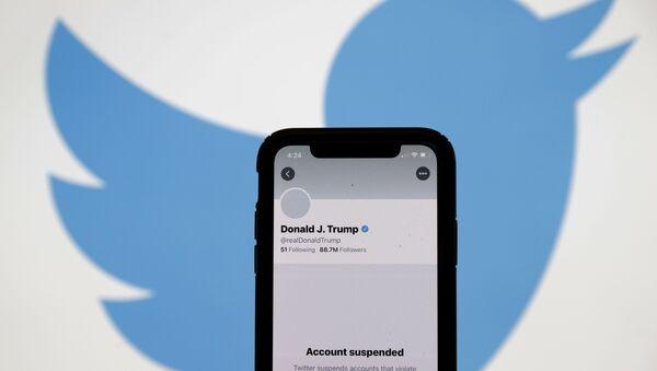Заблокированный аккаунт президента США Дональда Трампа в Twitter - Sputnik Узбекистан