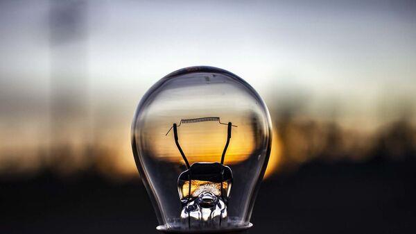 Лампочка, архивное фото - Sputnik Ўзбекистон