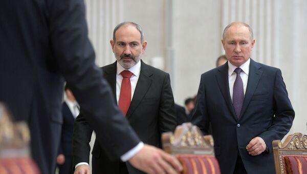 Rabochaya poyezdka prezidenta RF V. Putina v Sankt-Peterburg - Sputnik Oʻzbekiston