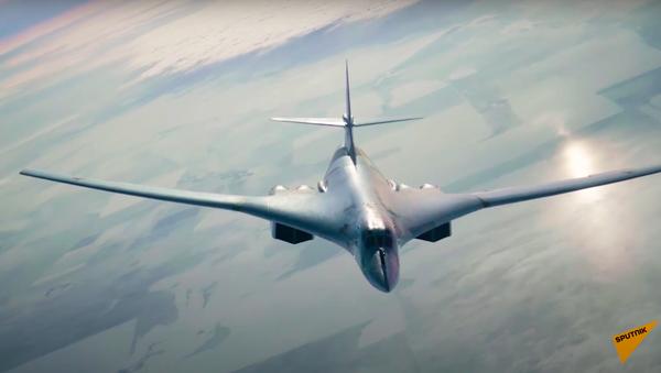 Захватывающее видео дозаправки в воздухе ракетоносца Ту 160 - Sputnik Ўзбекистон