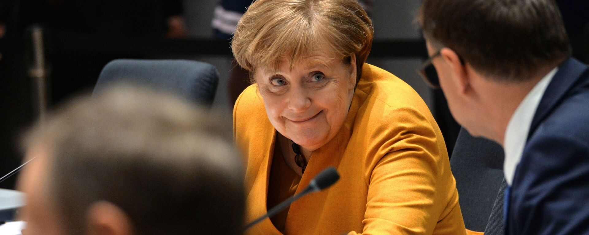 Федеральный канцлер Германии Ангела Меркель на саммите глав государств и правительств Евросоюза в Брюсселе - Sputnik Узбекистан, 1920, 22.01.2021