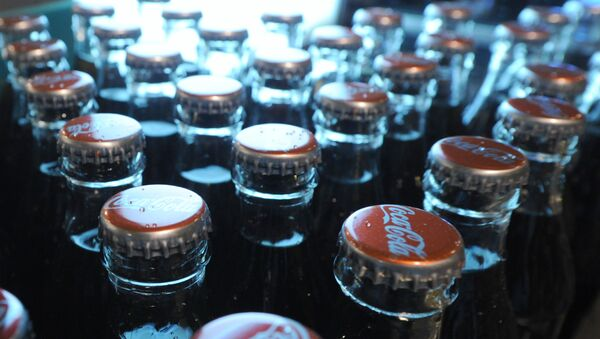 Работа завода Coca-Cola в Москве - Sputnik Узбекистан