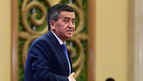 Экс-президент Кыргызстана Сооронбай Жээнбеков - Sputnik Узбекистан